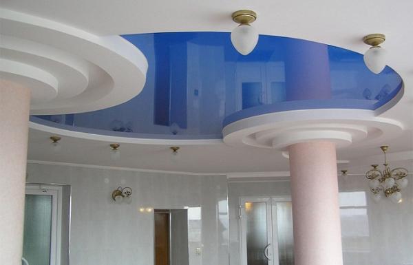 Комбинированные натяжные потолки – фото и описание