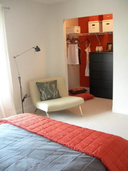 Мини вариант гардеробной комнаты в фото