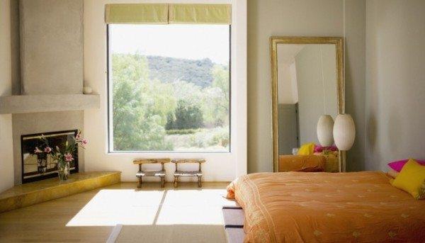 Окно в спальне — важный элемент интерьера