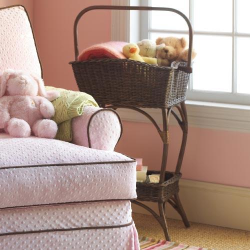 Плетеные корзины в интерьере в фото