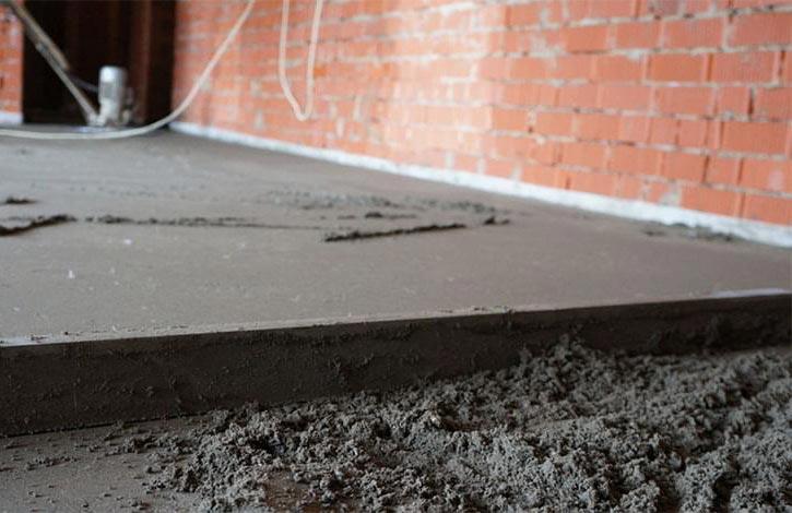 Устройство цементно-песчаной стяжки пола в фото