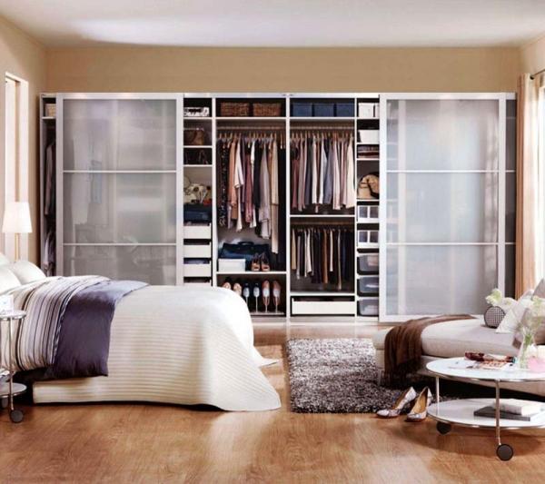 Выбираем шкаф-купе в спальню. Как оптимизировать пространство?