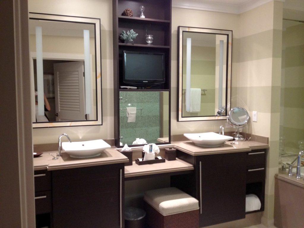 Раковина накладная на столешницу в ванную комнату: тонкости выбора