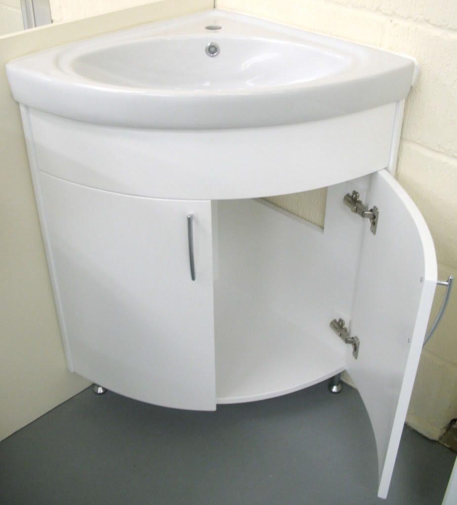 Подробнее о напольных гарнитурах для ванной комнаты