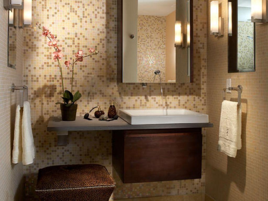 Фото современных идей для маленькой и темной ванной комнаты