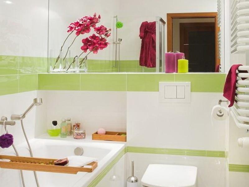Яркий дизайн для ванной комнаты совмещенной с туалетом