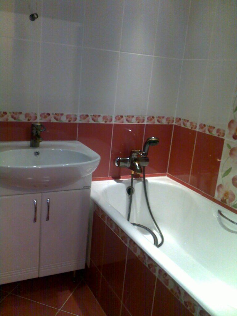 Как просто и быстро выполнить отделку ванной комнаты плиткой