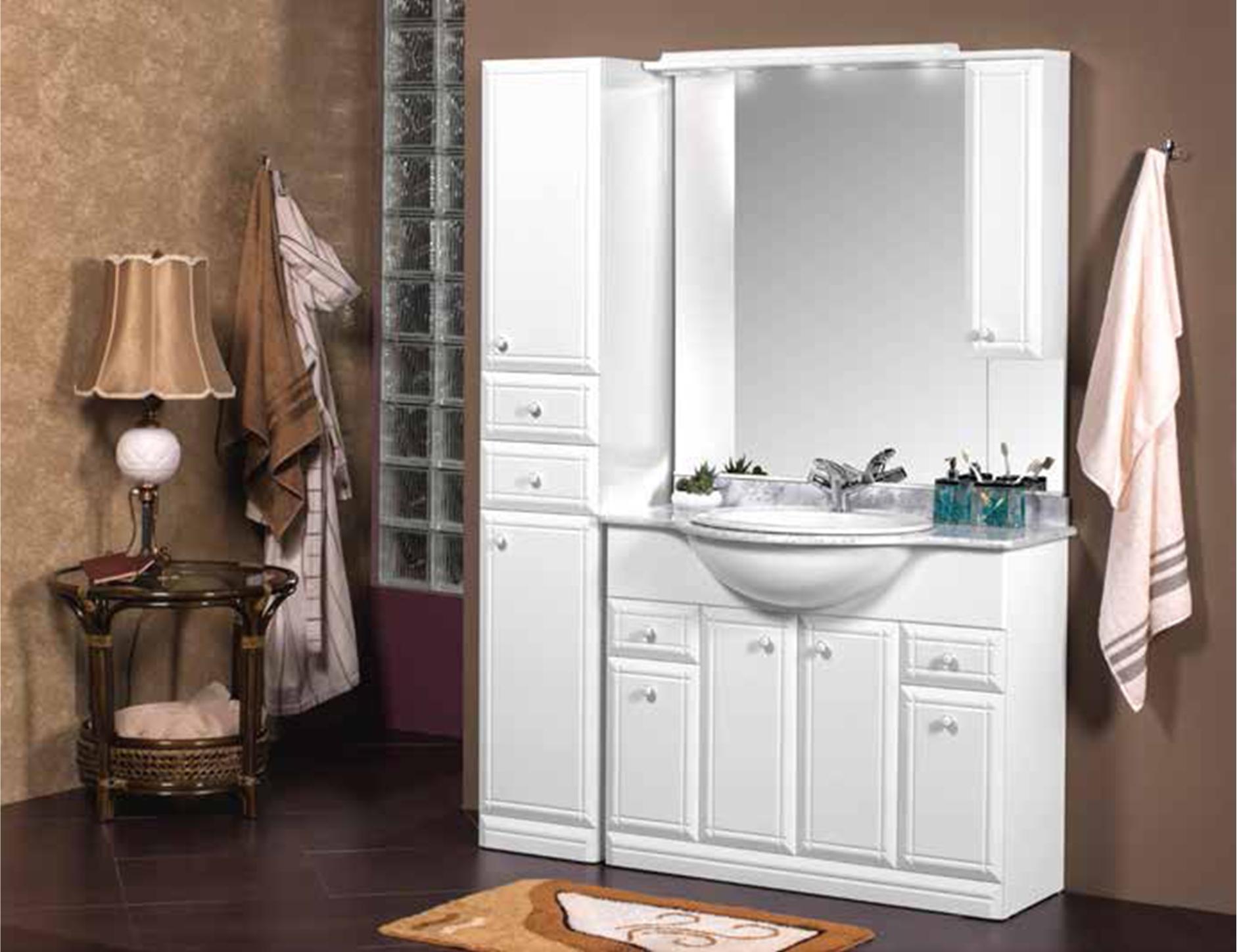 Конструкция светлого мойдодыра для ванной комнаты