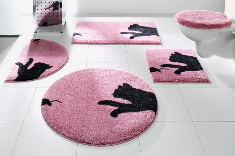 Выбираем коврик для женской ванной комнаты в розовом цвете
