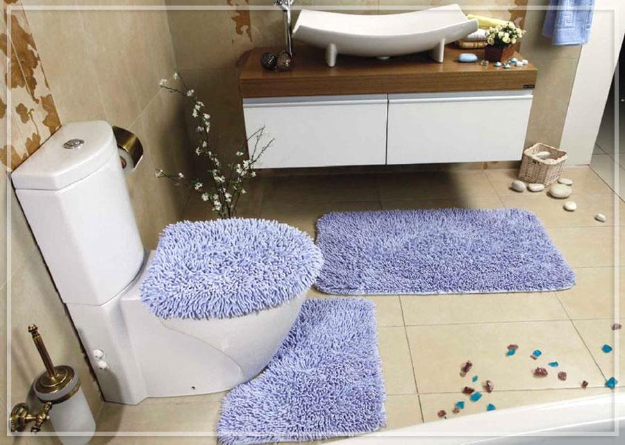 Мягкий коврик для уютной ванной комнаты постельных тонов