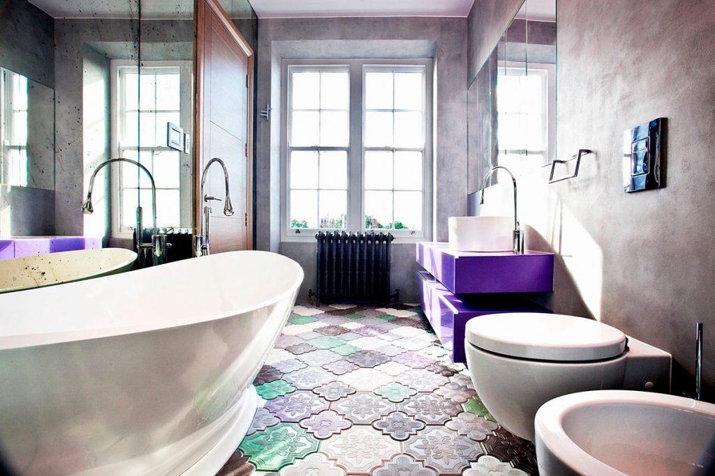 Модная плитка для декора современной маленькой ванной комнаты