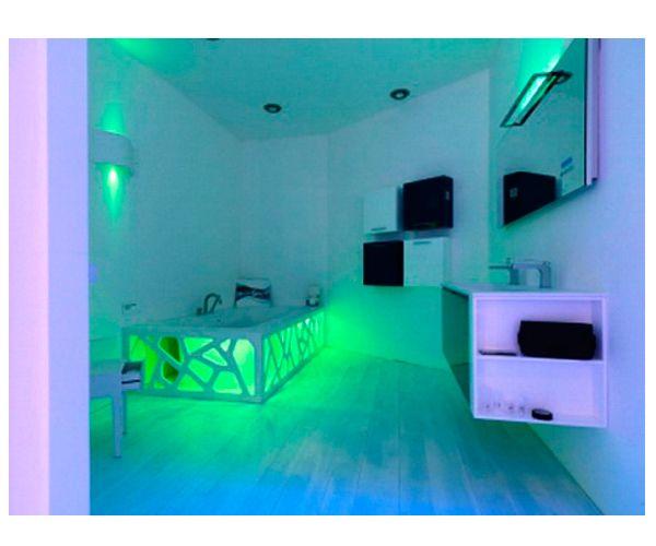 Оригинальный вариант интерьера ванной комнаты в подсветкой