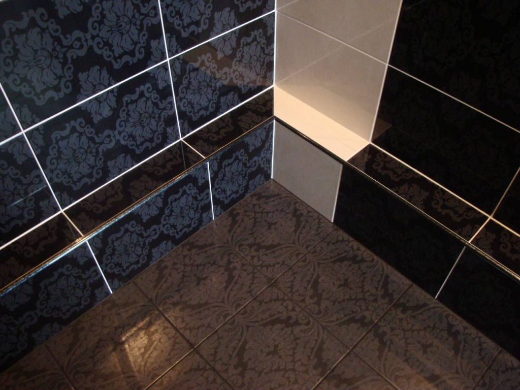 Правильная и быстрая укладка плитки в ванной комнате