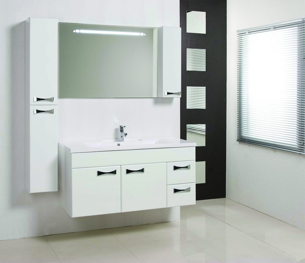 Советы по оформлению ванной мебелью Акватон