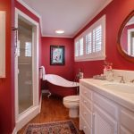 red-bathroom_03