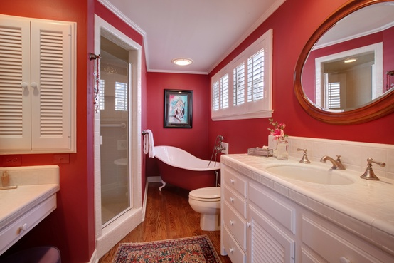Bold bathroom color ideas