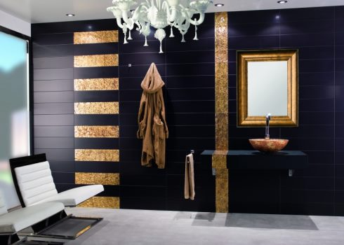 Дизайн ванной черное с золотом