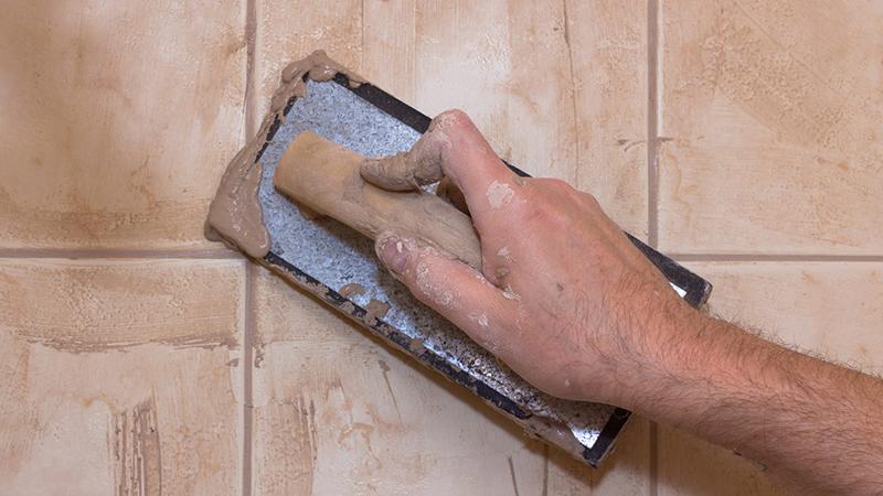 Правила нанесения цементной затирки