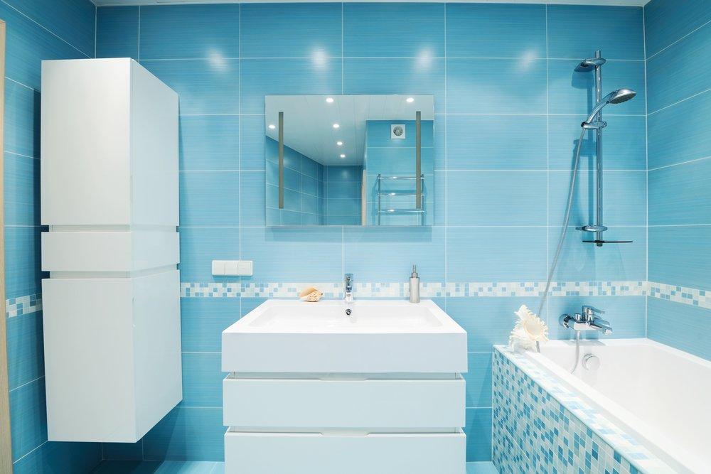 Фото ванной голубой плиткой