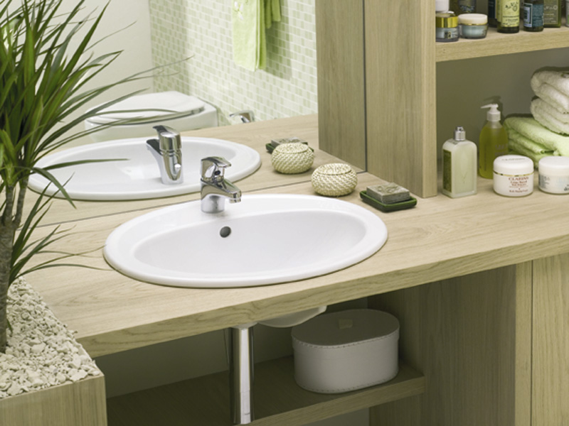 Тонкости выбора накладной раковины для ванной комнаты с натуральным декором