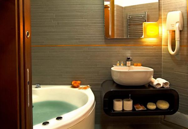 Ванная комната. Дизайн, фото для маленькой ванны