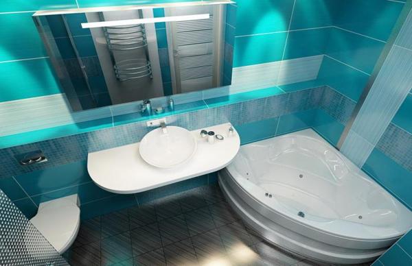 Ванная комната с туалетом и джакузи в голубых тонах