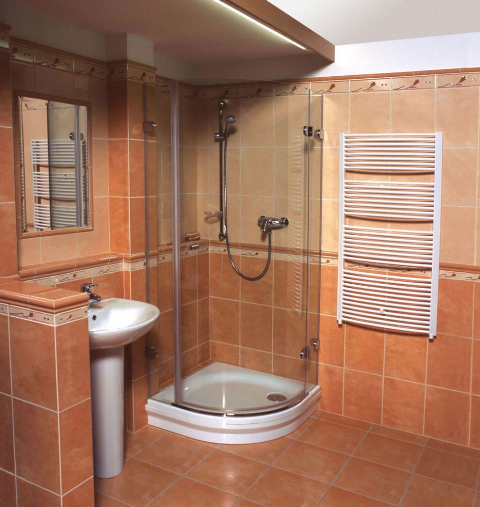 душевой поддон в ванной комнате
