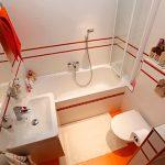 пример маленькой ванной в доме картинка