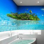 панно на стене ванной в виде моря