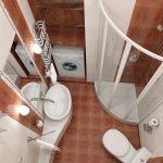 светлая кабинка душевая в ванной комнате стиль