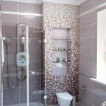 мозаика активно. использует в оформлении ванной