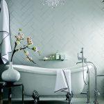 необычная кладка плитки в ванной
