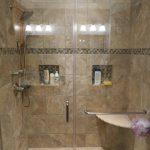 необычная керамическая плитка в ванной комнате в стиле этно в темных тонах