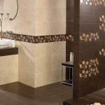симпатичная керамическая плитка в ванной в стиле печворк в светлых тонах
