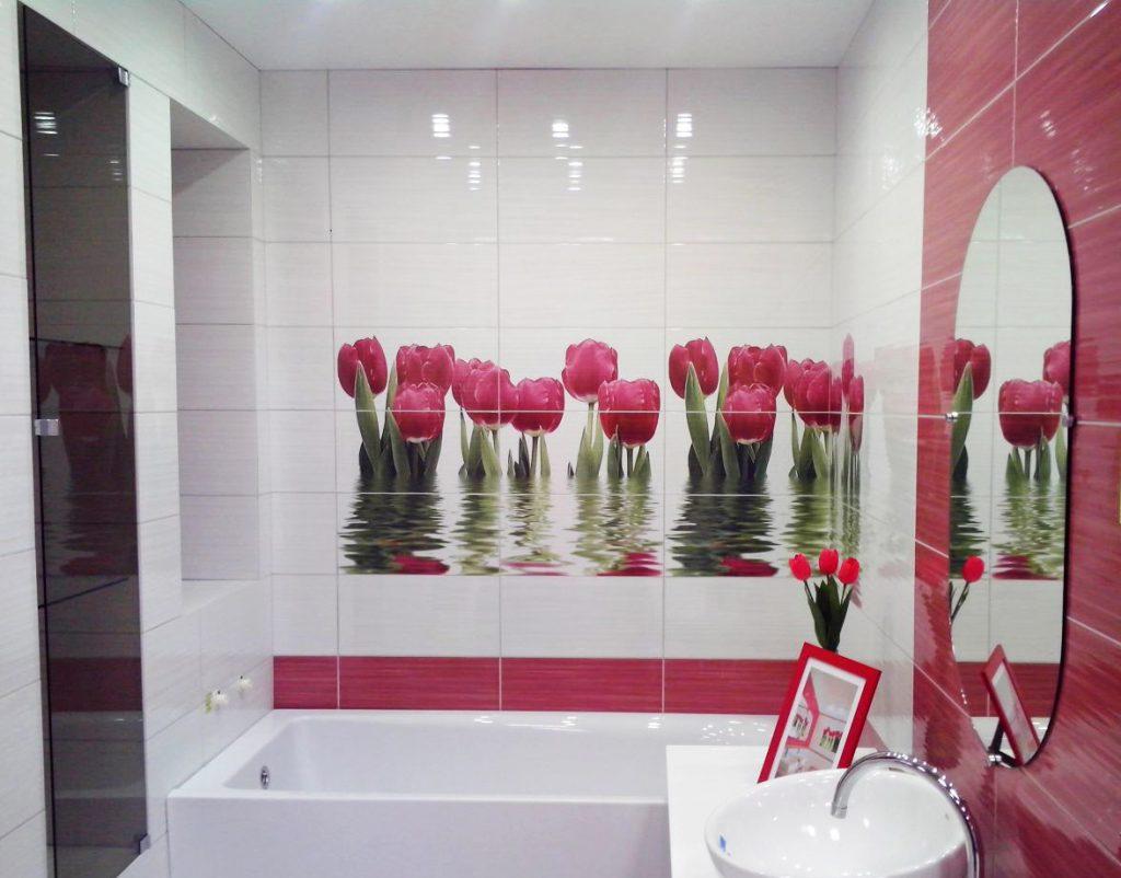 необычная керамическая плитка в ванной комнате в стиле печворк в светлых тонах