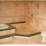 необычная керамическая плитка в ванной в стиле этно в светлых тонах