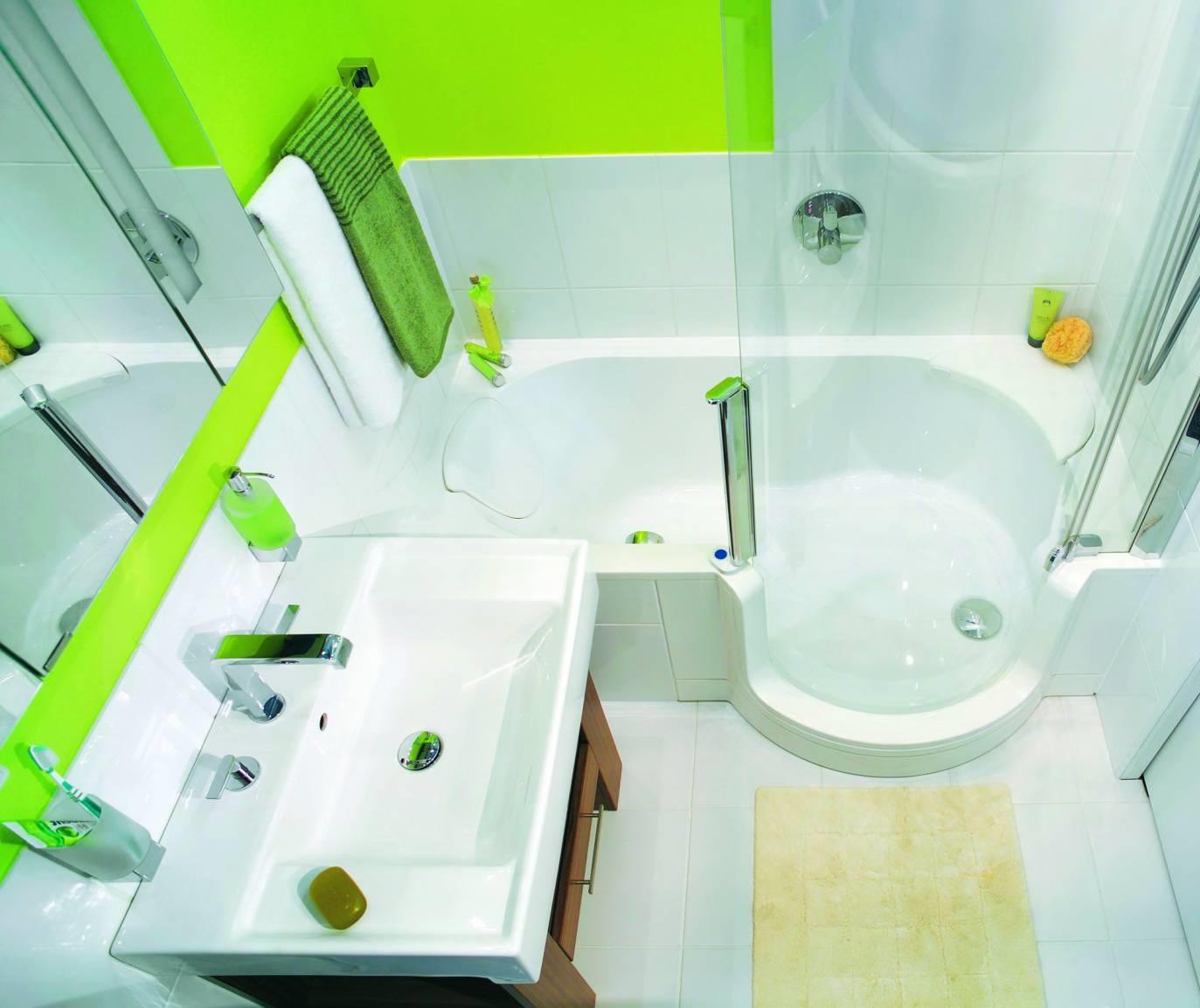 красивая ярко зеленая ванна с элементами природы