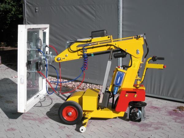 Аренда манипулятора с присоской: удобный и безопасный монтаж большого стекла