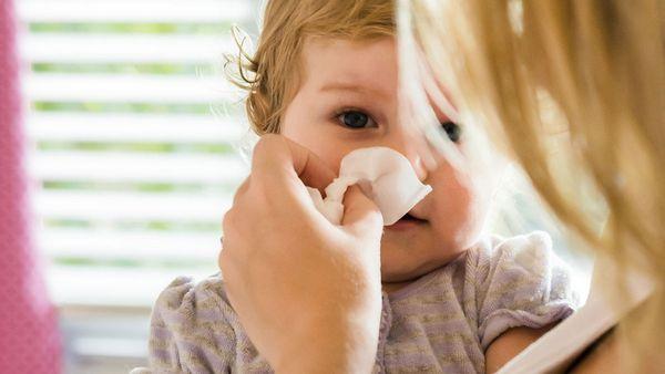 kak pravilno lechit nasmork u detej 1