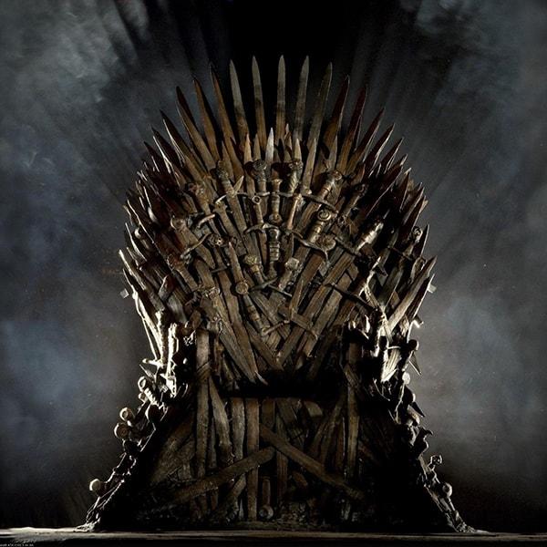 pochemu vse ljubjat smotret igru prestolov 2