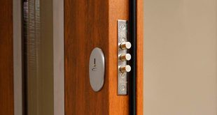 04 close the door when lock bolts or latch is extended 1